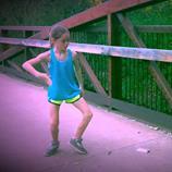 独学でここまでとは!? 11歳の少女が躍るクネクネダンス!!