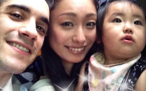 長女の顔写真を公開した安藤美姫が相次ぐ批判に猛反発