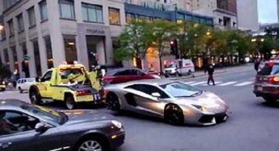 ランボルギーニだろうが違法駐車はレッカーだ!!