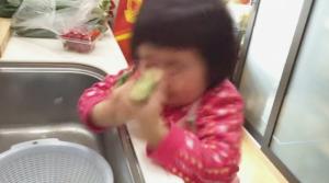 料理の「失敗動画」ばかり集めたほっこりCMが世界的広告祭で受賞!!