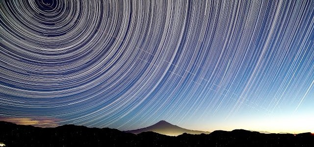 1万4千枚の写真を3分間に凝縮!日本が誇る富士山の美麗