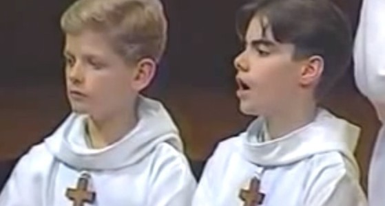 パリの少年合唱団の「ニャー」という歌声がステキすぎる動画
