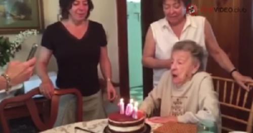 おばあちゃんの102歳の誕生日、勢い良く息を吹いたらとんでもないことに