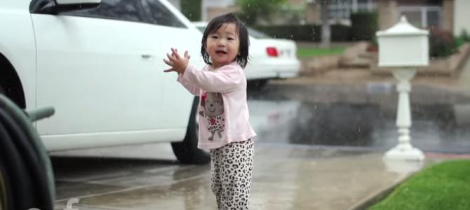 少女が見た「初めての雨」大人になって忘れた何かを思い出させてくれる