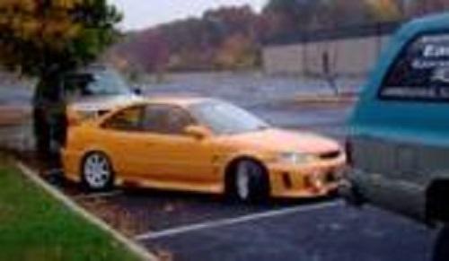 後輪をロックし前輪を空回転させる、見たこともない縦列駐車の方法!