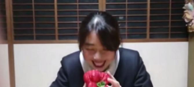 ギネス記録に認定された「世界一重いイチゴ」がでかい!!