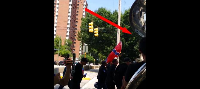 白人至上主義団体「KKK」のパレードを音楽の力で「おマヌケな雰囲気」にして台無しに!天才的な抗議だと絶賛される!!