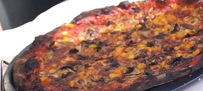 真夏の車内で30分したら、ピザが焼けてしまった!?