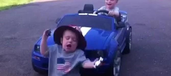 危な過ぎる!絶対に運転させてはいけない子供