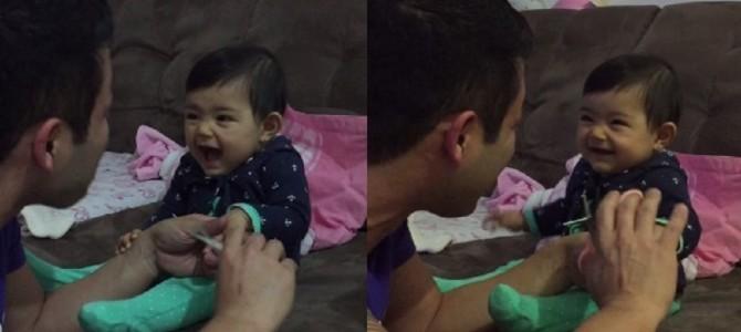 パパを驚かせることを覚えた赤ちゃんと、パパのやりとりがものすごく可愛い!