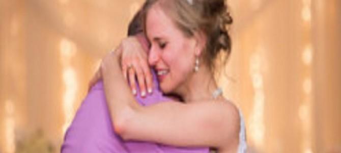 骨髄を下さってありがとう!今日は私の結婚式・・・ドナーの男性と踊る花嫁の命が輝いた日