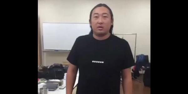 ロバート秋山の一発ネタ動画「発想が天才すぎる!」と話題