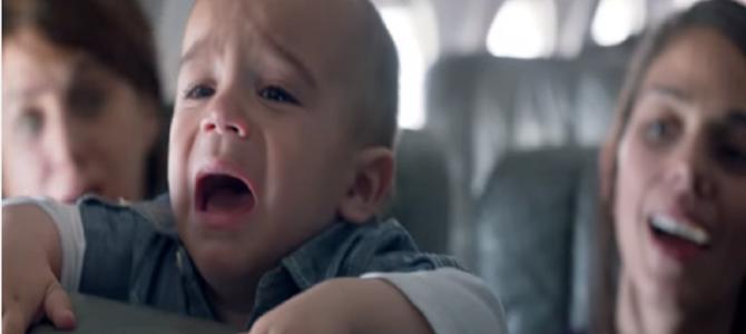 赤ちゃんが泣くと、みんな喜ぶ?ママにとって「夢のような飛行機」