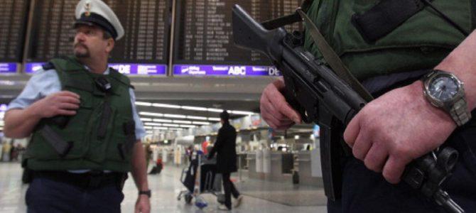 夫の愛人への嫉妬心で空港に虚偽の爆弾通報をした妻