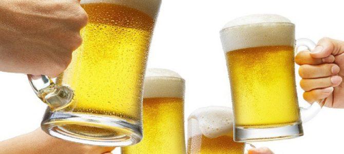 どの位水を飲めば二日酔いを回避できるか
