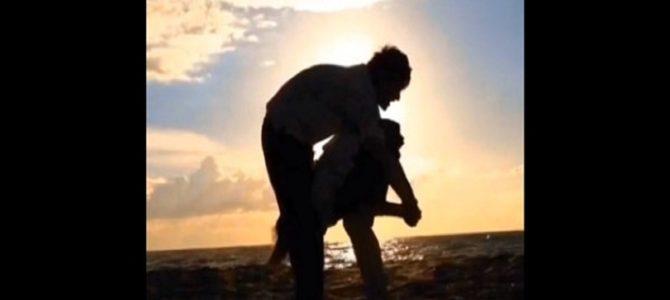 「アクロバティック過ぎるキス」の仕方が凄い