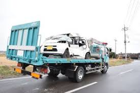 栃木県大田原市市野沢でトラックと軽自動車が正面衝突