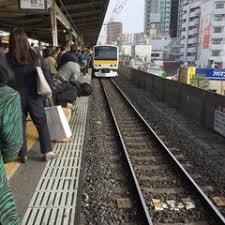 総武線の小岩駅で人身事故