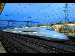 東海道新幹線の小田原駅~新富士駅間で落雷があり停電