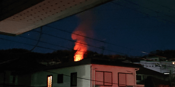 大阪府南河内郡河南町で大規模な火事