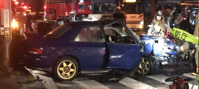 東京都日野市多摩平の日野バイパスで車6台が絡む多重事故