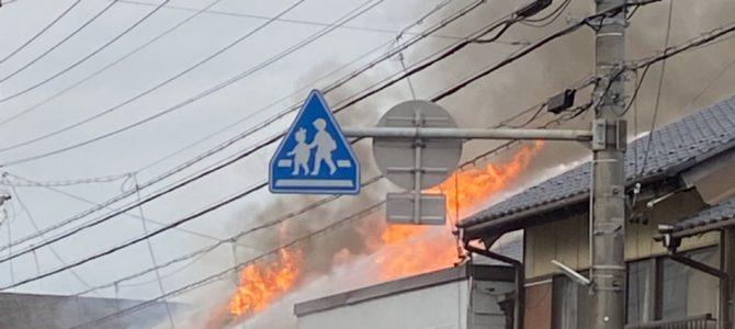 岐阜県羽島市の建物で大規模な火事