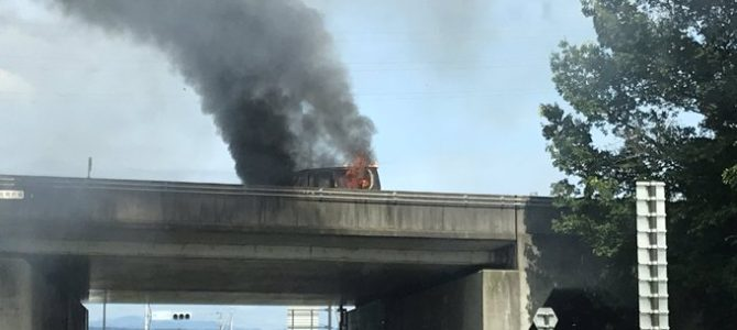 関越道の前橋IC(インターチェンジ)~渋川伊香保IC間で車両火災